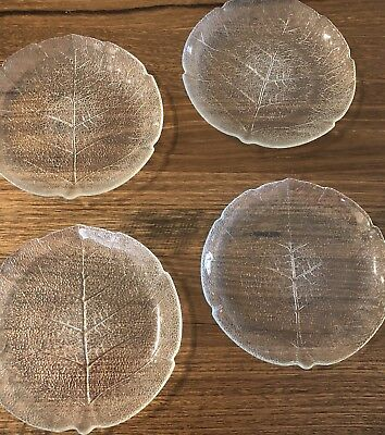 ARCOROC FRANCE RETRO LEAF SHAPED ROUND GLASS PLATES X 4 IN EX COND 19cm Wide