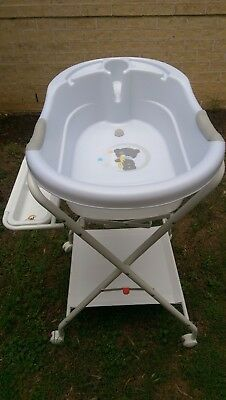 Love and Care baby bath stand and bath