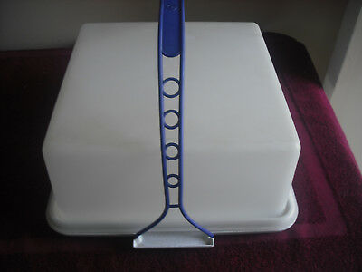 Tupperware Pie / Cake Square Taker With Blue Carry Handle  Good Clean Condition.