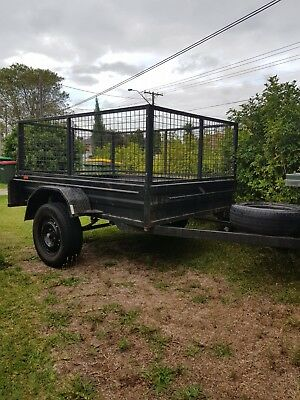 Box trailer 6 x 5 with lockable cage