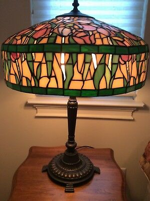 Tiffany Style  Vintage Tulip Stained Glass Lamp