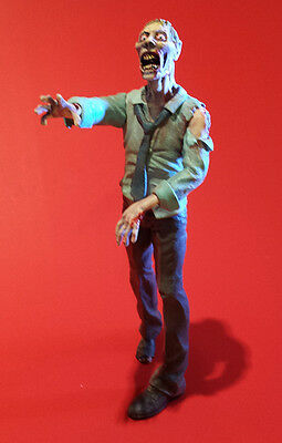 Working Stiff zombie model kit 1:10 scale Walking Dead Living Dead