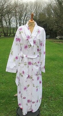 Vintage Laura Ashley House Coat / Dressing Gown / Robe. Ex Condition. Size Xl.