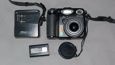 Nikon COOLPIX 5000 5.0MP Digital Camera - Black Excellent Condition
