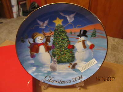 """Avon 2004 """"trimming The Tree With Friends"""" Christmas Plate By Dave Henderson"""