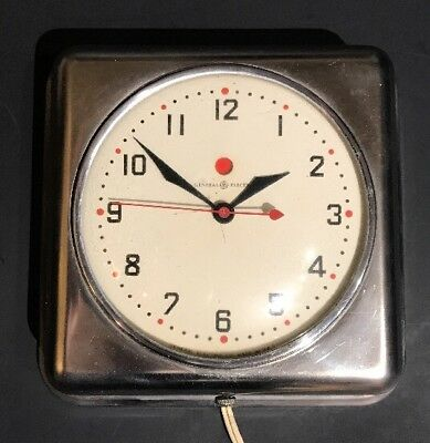 Vintage 1940's General Electric GE 2H08 Silver / Chrome Metal Kitchen Wall Clock