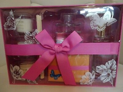 Sanctuary Spa Home is Where the Heart is Candles Diffuser Room Mist Gift Set