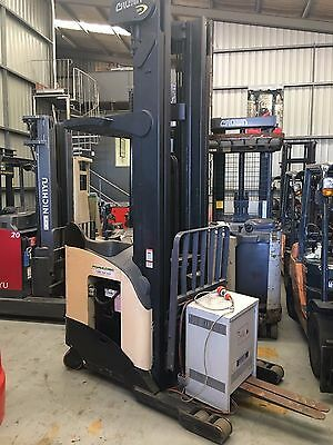 2009 Crown 2 Tonne Ride on Reach Forklift with 3852 free Sydney Delivery