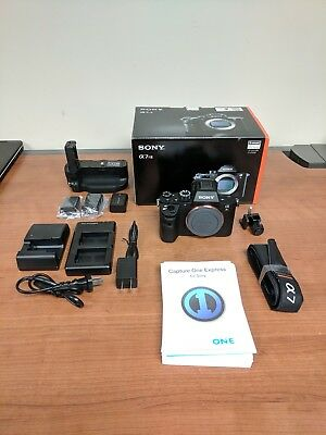 Sony A7RII Full-Frame Mirrorless DSLR With Extras - Mint 4k 42MP A7R2 Grip