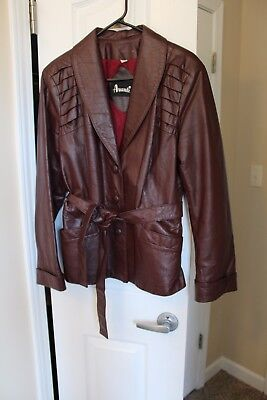 Vintage Women's Leather Jacket Buttoned and Belted Red Brown Burgundy Size M