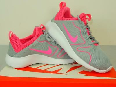 best service 1a72a ccef5 NIB 75 Womens Nike Kaishi 2.0 Gray   Pink Style   833666 051 Comfort  Sockliner