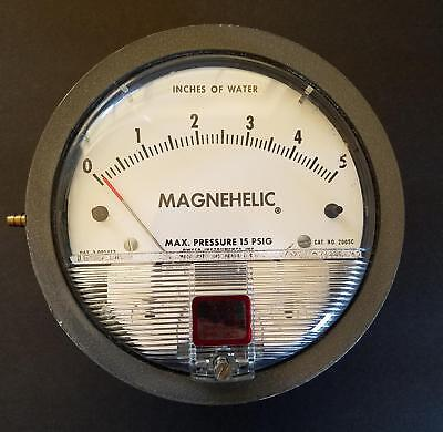 Dwyer Magnehelic 2005-C Pressure Gage 0-5 Inches of Water