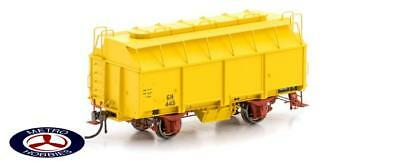 Auscision HO VFW-81 GH Grain Wagon with 3 Roof Hatches, Hansa Yellow, 6 Car Pack