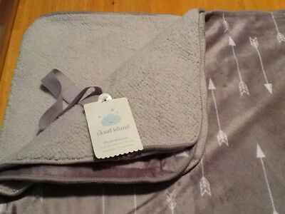 Cloud Island Plush Blanket With Arrows Gray and White NEW