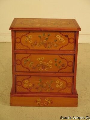 F43409:  Custom Made Hand Paint Decorated Pine Accent Chest