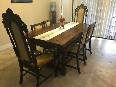 Kittinger Buffalo Expandable 1920's Walnut Dining Set 12 Chairs