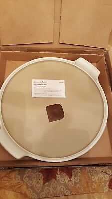The Pampered Chef Large Round Stone with Handles in White #1379 USA MADE *NEW*