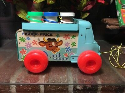 BAM!! VTG. 1964 Fisher Price Milk Wagon with Bottles & Carry Case #131