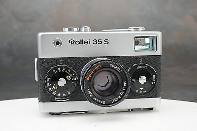- Rollei 35 S Camera w Zeiss Sonnar 40mm f2.8 Lens