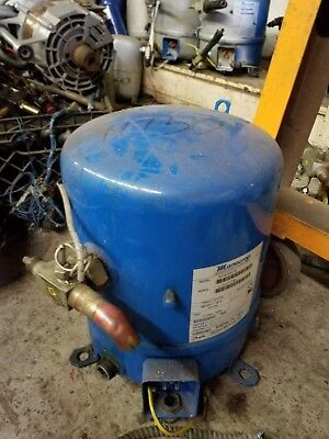 used dry cleaning refrigeration compressors pumps,valves,coolers ext