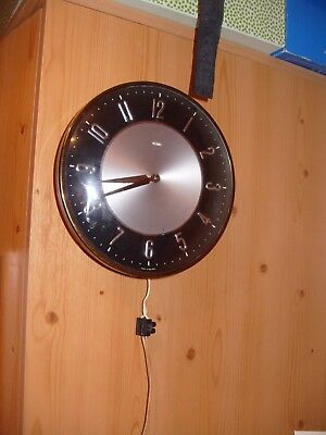 Vintage  Wall  Clock Metamec Electric    Mains  Clock Working