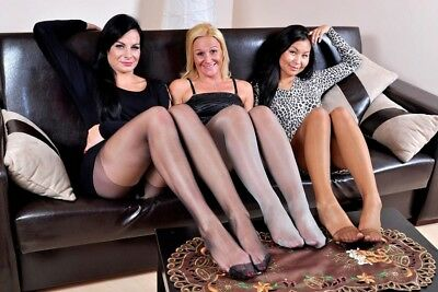 49-27, Nylon Legs Model Foto, Pantyhose Strumpfhose Stocking Feet A4 Photo