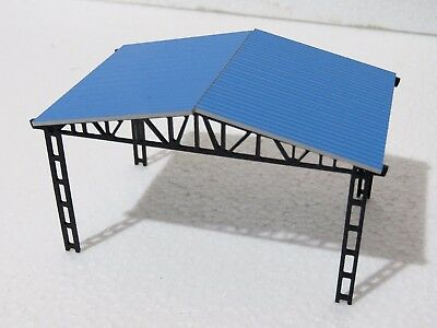 HO scale model kit PARKING SHED with fences and benches 1:87 New