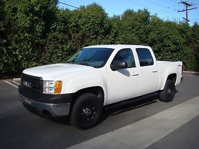 2009 GMC Sierra 1500  2009 GMC Sierra Crew Cab 4WD 1500 Truck 5.3L V8 Only 30k Miles! Free Shipping
