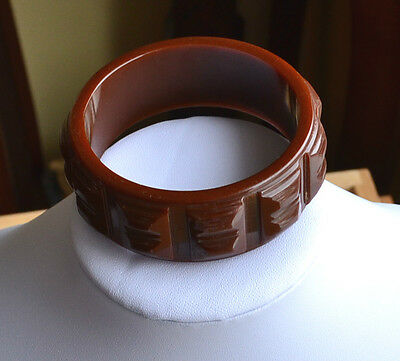 Art Deco Chunky Milk Chocolate Carved Bakelite Bangle Bracelet Tested