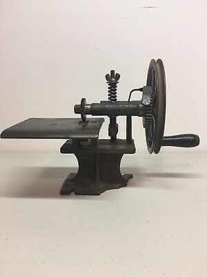 """Antique """"The Howard"""" Cast Iron Tabletop Pinking Machine"""