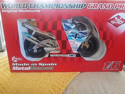 valentino rossi 1/6 scale guiloy bike
