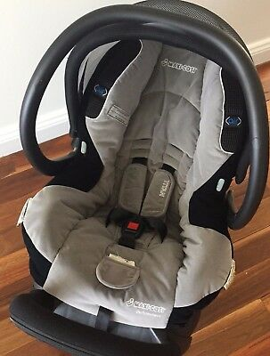 MAXI COSI for bugaboo  Air Protect CAPSULE 0-6mths   Excellent cond. Smoke free,