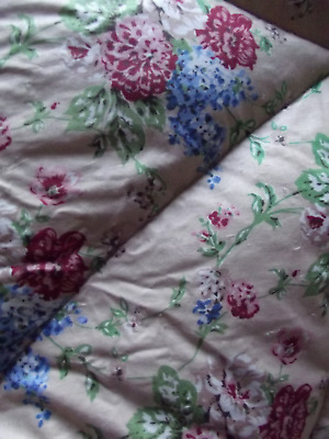 Sweet Vintage Feather Eiderdown Bunched Flowers On Buttercream Background V.g.c.