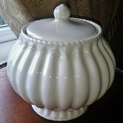 CREAMWARE Pottery Ribbed Round Pumpkin Shaped Lidded Jar Trinket Pot Sugar Box