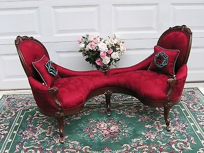 Petite Victorian Rococo  J H Belter Courting Couch