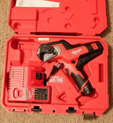 Milwaukee 2472-21XC M12 600 MCM Cable Cutter Kit - New in Box