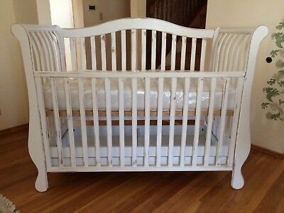 Pali Nursery Baby Crib Jennifer Julianna Lily Collection