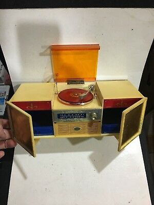 VINTAGE NOVELTY  Musical Jewellery Box 1950s-1960s