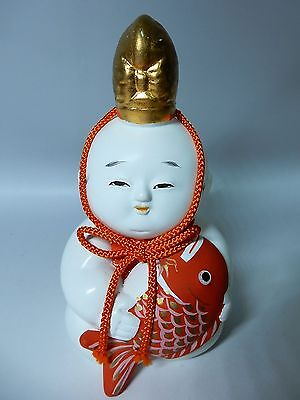Japanese Kyoto Gosho Style Gofun Ceramic Doll Holding Red Sea Bream H14.5cm 5.7""