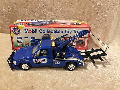 Toy Tow Truck•1995 Limited Edition•Mobil Gas ( In Box)