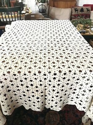 Vintage hand crochet large white cotton lace table cloth bedspread throw 80x90