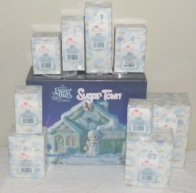 "Precious Moments Sugar Town ""Town Square Clock"" & 9 Accesories Excellent"