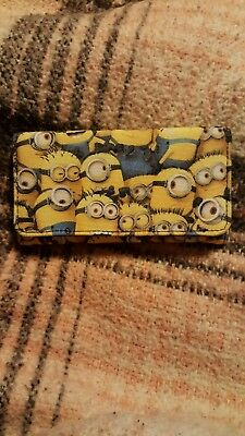 Despicable Me Minion Made Minion's 15 compartment Button Close Wallet