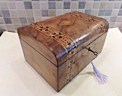 VICTORIAN 19thC INLAID TUNBRIDGE WARE FIGURED WALNUT VENEERED BOX - LOCK & KEY