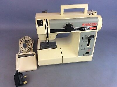 SINGER  Featherweight Plus Electric Compact Sewing Machine Ship Worldwide