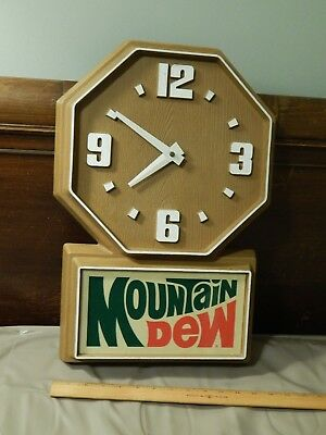 Mountain Dew [Faux Wood] WALL CLOCK -Vtg- Promo *Pepsi Co.* Mtn Dew Soda Sign
