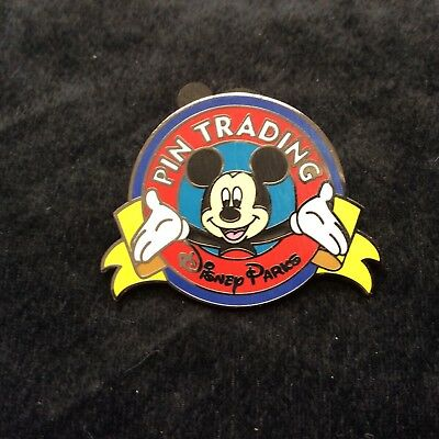 Disney Pin Trading Mickey Mouse Open Arms Limiter Release 2011 Nice
