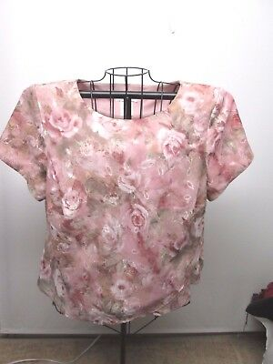 LADY DORBY womens size 18W 2 pc top and skirt lovely floral pink white and grey.