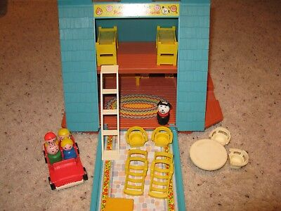 Vintage 1974 Fisher Price Little People A Frame House Cabin #990