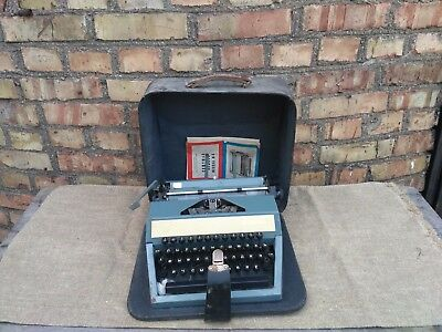 Vintage Russian Soviet USSR Press Manual Type Writer in Case Moscow M-6